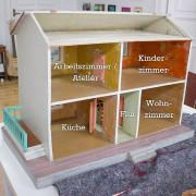 Neugestaltung eines Puppenhauses: 2. Innenräume tapezieren