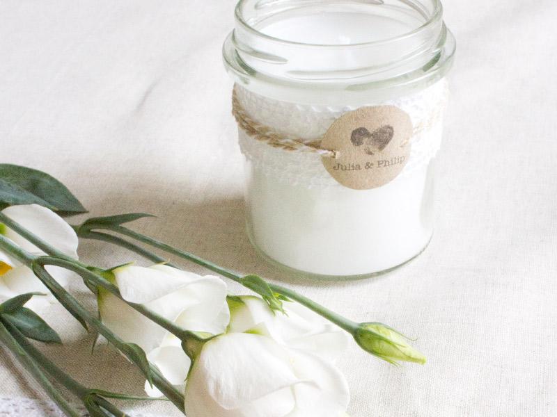 DIY-Anleitung zur Hochzeit: Romantische Kerzen im Glas