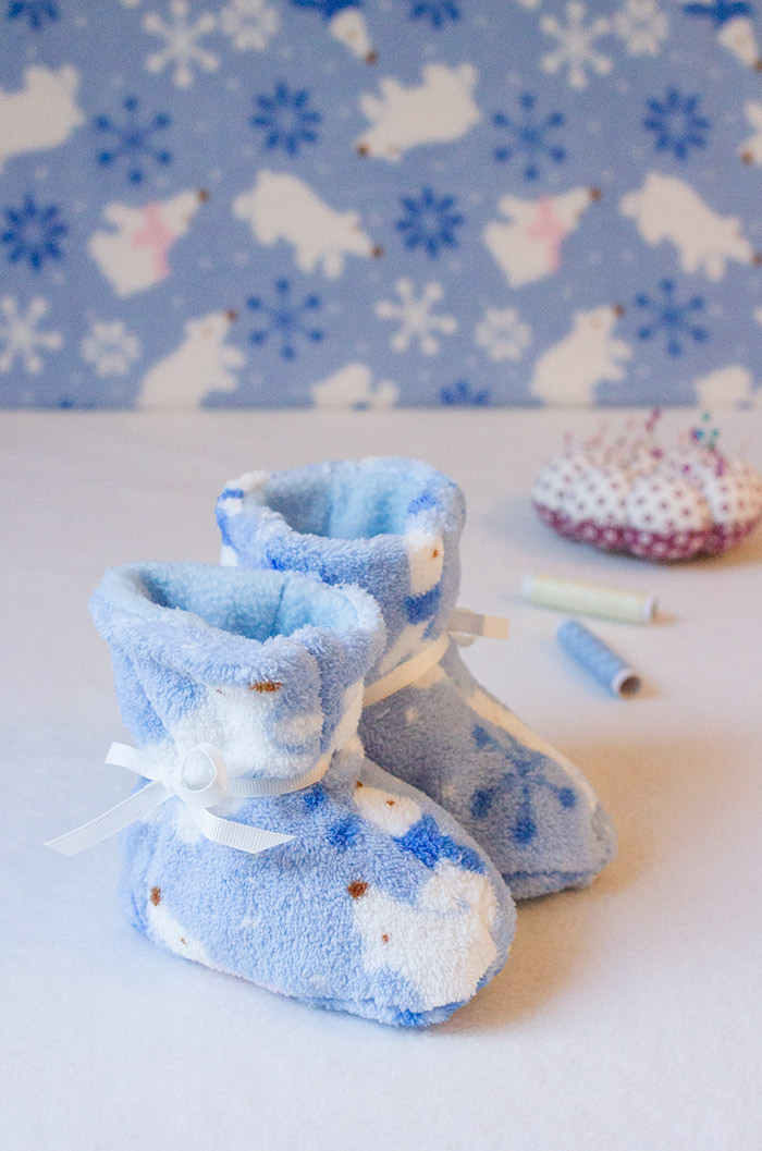 Kuschlige Babystiefel aus Fleece selbst nähen
