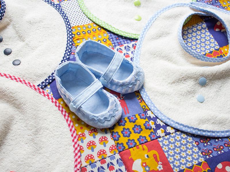 Babydecke und Lätzchen nähen