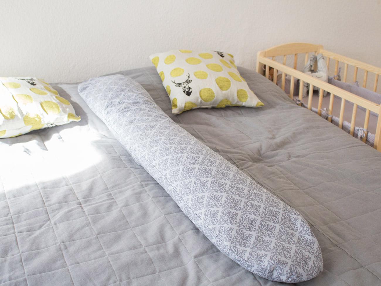kostenlose n hanleitung stillkissen mit wechselbarem. Black Bedroom Furniture Sets. Home Design Ideas